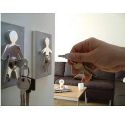 Интересные детали в дизайне ключницы на стену